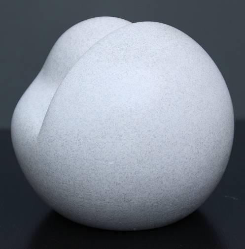 Introspección. resina acrilica 12x 12 x 12