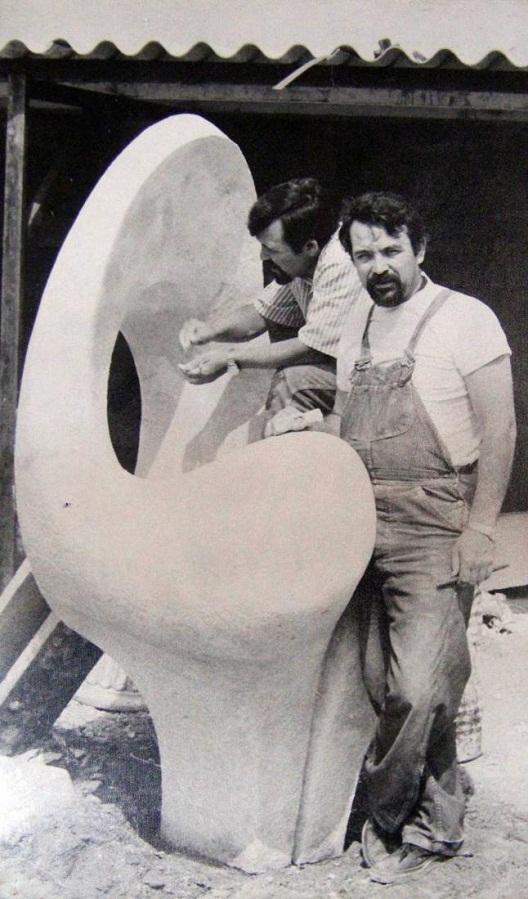en su escultura a