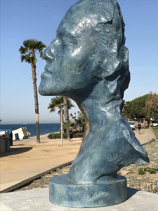 Teddy Cobeña inaugurated his sculpture in Pineda de Mar